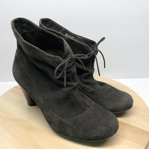 Clarks Indigo Gray Leather Ankle Boots -B48